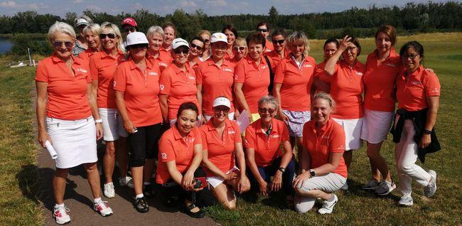 Teilnehmerinnen des 2. Turniers der Peter Hahn Jubiläums-Tour beim Golfclub Halle